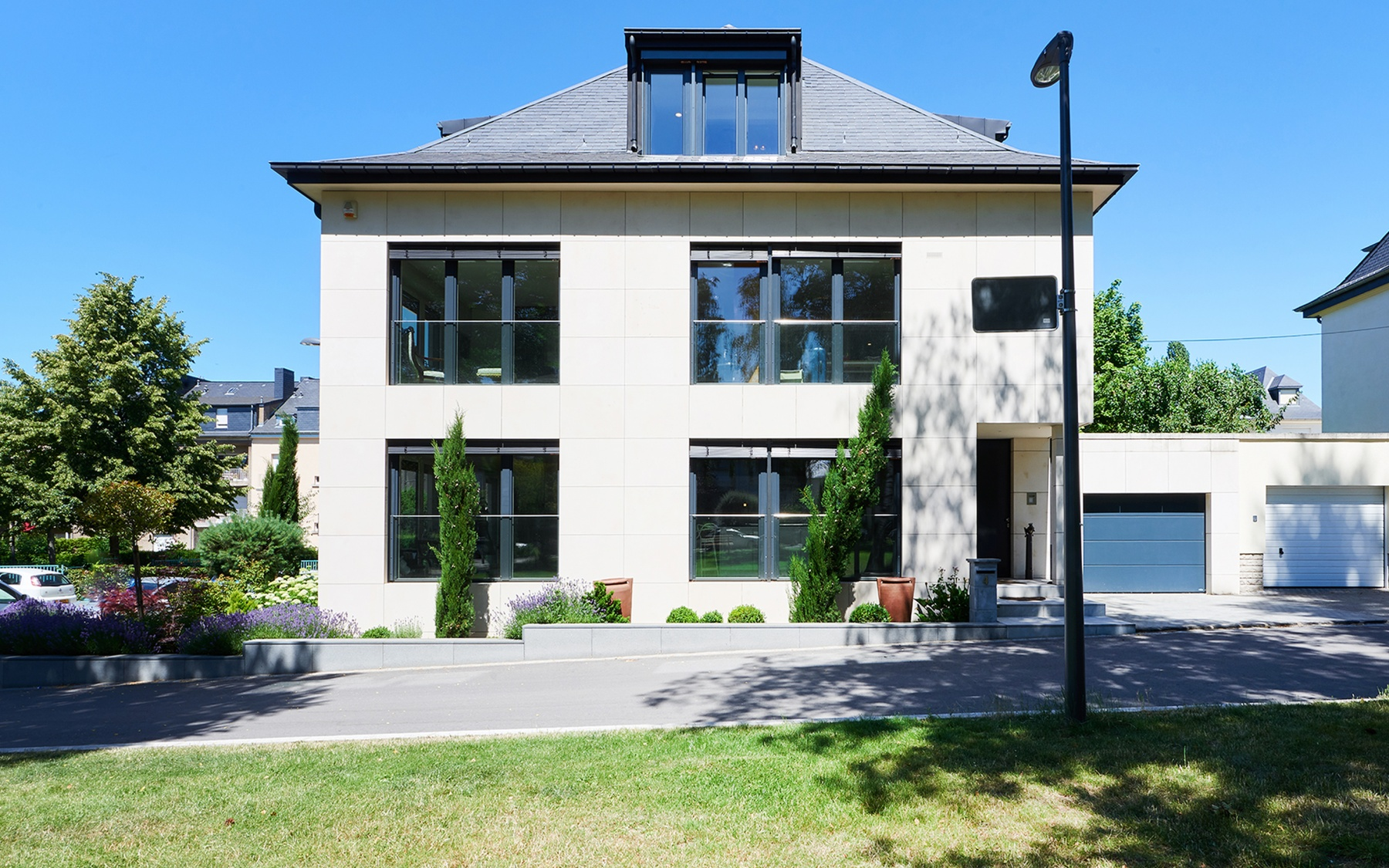 Maison Moderne A Luxembourg Limpertsberg Luxembourg Sotheby S International Realty